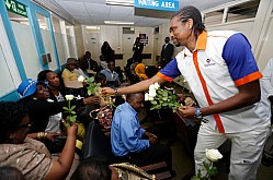 Nwankwo Kanu visit Kenyatta National Hospital